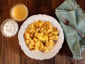 Matzo Brei Recipe - Classic Jewish Comfort Food for Breakfast, Brunch or Brinner #Passover #Deli