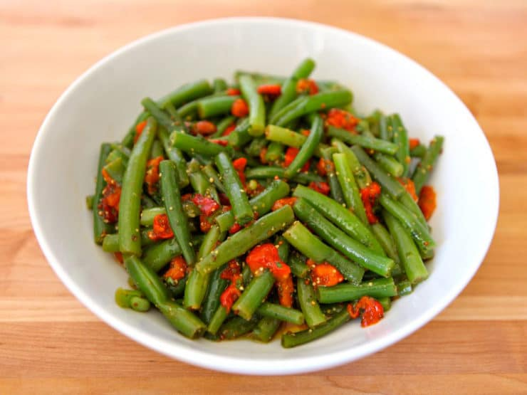 Green Bean Roasted Pepper Salad - Enticing vegan salad with lightly steamed green beans, roasted red bell pepper, whole grain mustard, olive oil and white balsamic vinegar.