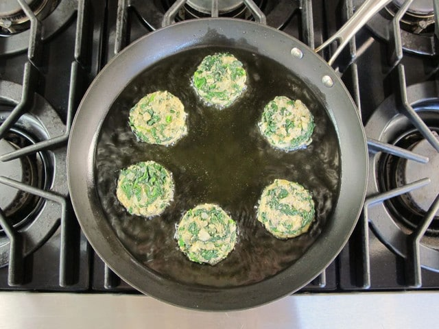 Keftes de Espinaca - Spinach Keftes - Sephardic Vegetarian Recipe