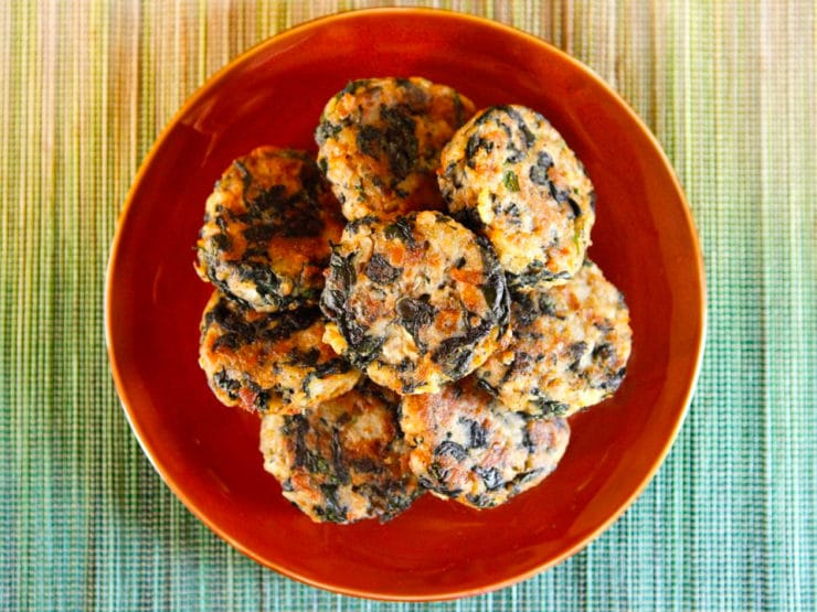Keftes de Espinaca - How to make Middle Eastern spinach keftes- delicious vegetarian fried patties with spinach, mashed potatoes, egg and breadcrumbs