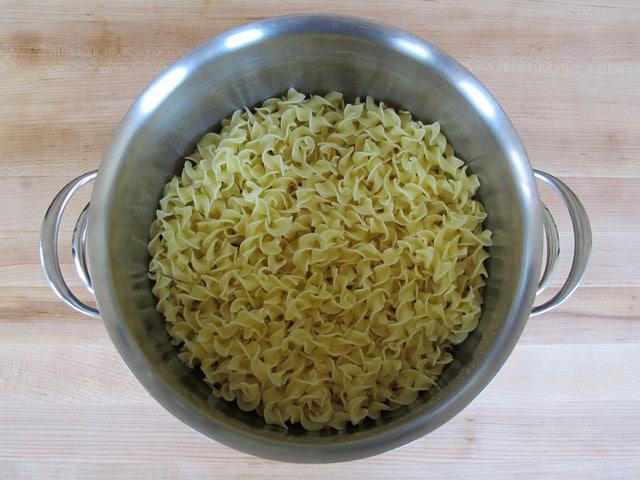large pot, 3 quart or 9x13 baking dish, food processor or blender
