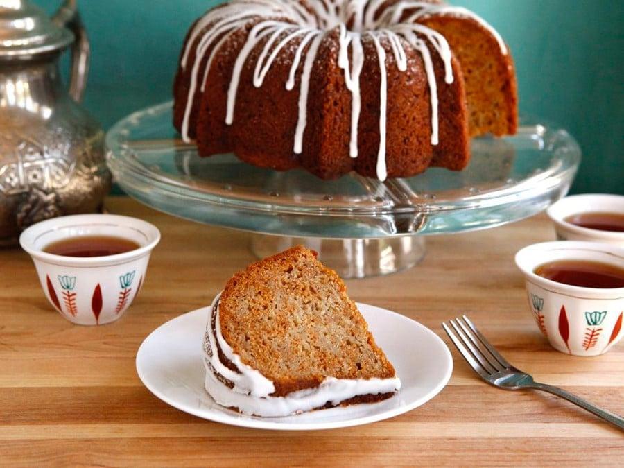https://toriavey.com/images/2010/08/Honey-Apple-Cake--900x675.jpg
