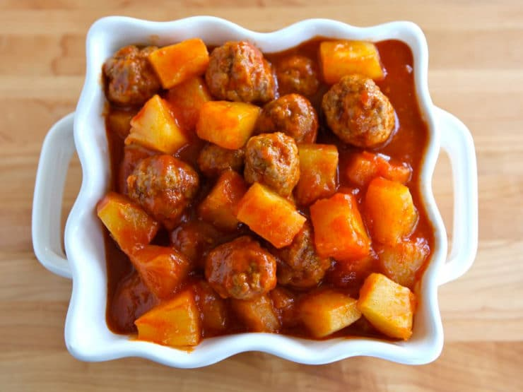 Sweet and Sour Meatballs - Delicious sweet and sour meatballs with pineapple and chili sauce. Simple and tasty. Perfect easy appetizer or entree. Kosher, meat.