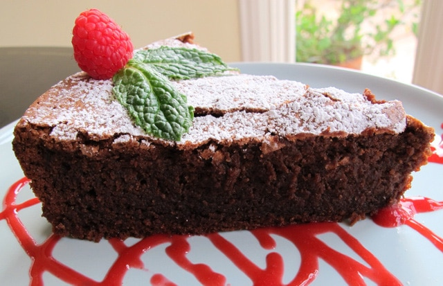 Chocolate Crackle Cake with Raspberry Coulis