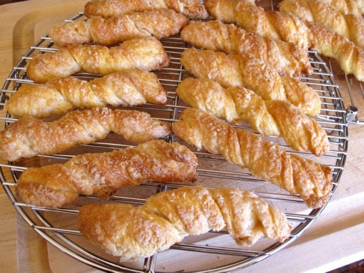 Sour cream twists on a cooling rack.