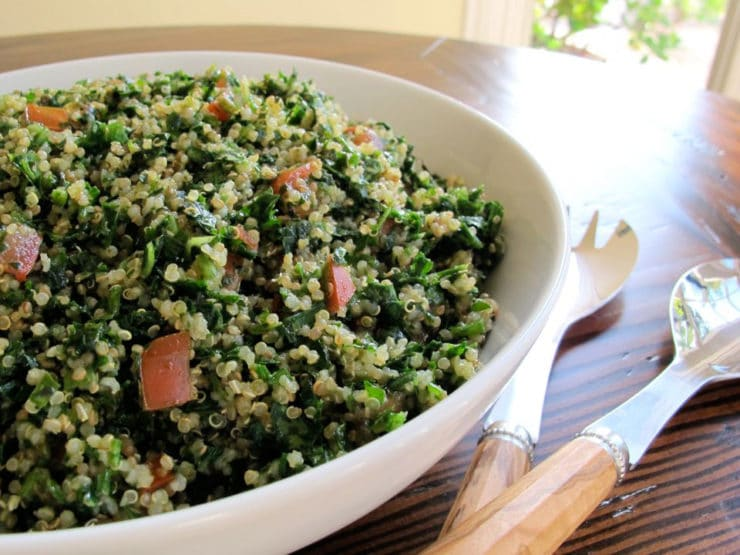 Quinoa Tabbouleh Salad - A lemony Middle Eastern tabbouleh salad with healthy gluten free quinoa, fresh parsley and mint. Pareve, Kosher for Passover.