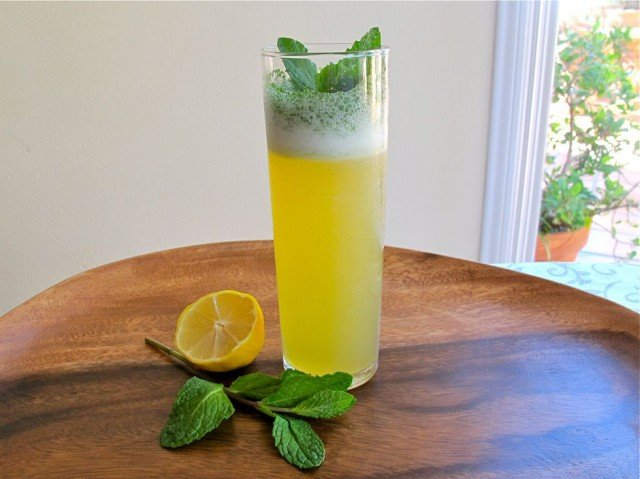 The Purim Pucker - A sweet and sour cocktail reminiscent of iced mint lemonade. Great choice for a Purim celebration. Kosher, Pareve.