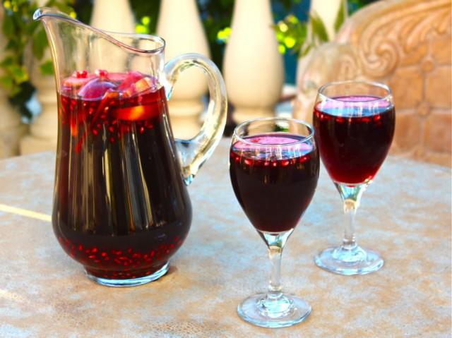 Rosh Hashanah Sangria - Pomegranate Sangria Recipe