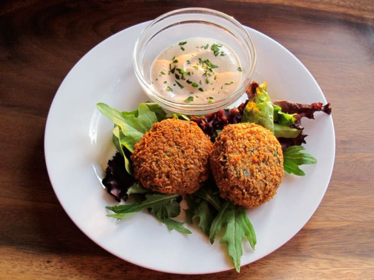 Learn to make delicious Spicy Panko Chickpea Patties with this simple falafel-like recipe. Crispy, crunchy vegetarian snack. Kosher, Pareve.