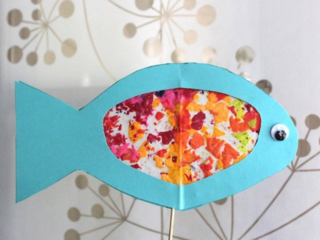 Make a Stained Glass Fish for Rosh Hashanah. Family, craft, kids, art, fun, holidays, homeschool, preschool, elementary school, Jewish learning.