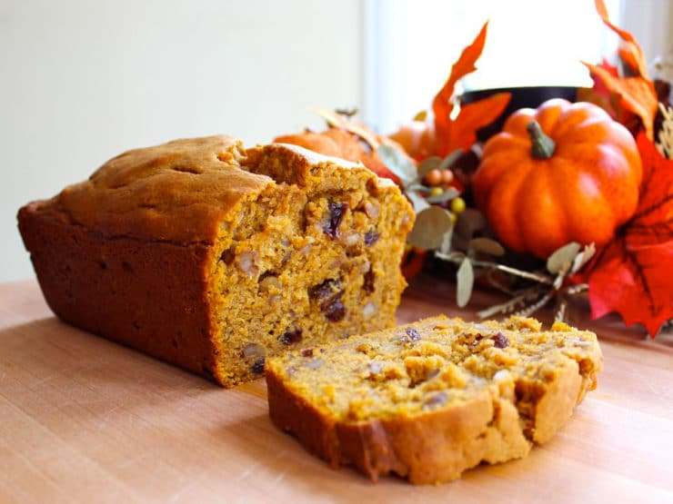 Pumpkin Spice Cake - A sweet loaf cake with pumpkin, raisins, cinnamon and spices. Sukkot, Thanksgiving, autumn, fall, harvest. Kosher, Pareve.