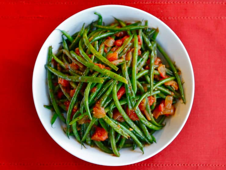 Green Bean Tomato Sauté - A healthy, flavorful, gluten free, vegan side dish. Can also be made as a meatless entree. Easy and yummy!