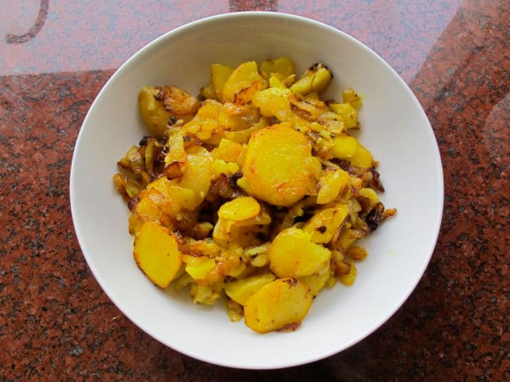 Potato Bhajee - Vintage kosher Jewish Indian recipe from a 1922 cookbook called the Jewish Cookery Book. Pareve.
