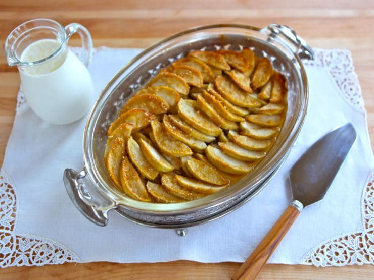 What Abraham Lincoln Ate: Apple Bread Pudding - Recipe for Apple Bread Pudding with Cream Sauce from Mary Todd Lincoln's favorite cookbook, Miss Leslie's Complete Cookery. Simple baked dessert.