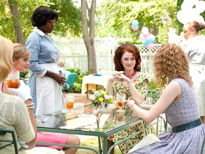 Scene from The Help movie - afternoon Southern tea party with women.