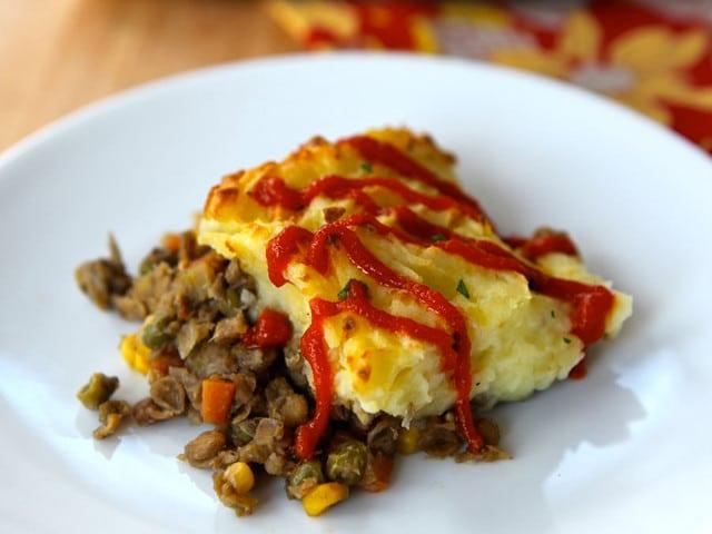 Vegetarian Shepherd's Pie - Flavorful vegetarian recipe with potatoes, lentils and vegetables. Easy vegan modifications. Gluten free, kosher, healthy, pareve or dairy.
