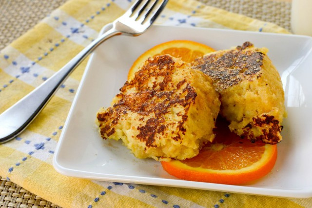 Passover French Toast - Kosher for Passover French toast from Kristy at Eat, Play, Love with homemade Passover citrus sponge cake made from matzo cake meal. Kosher, Dairy, Pesach.