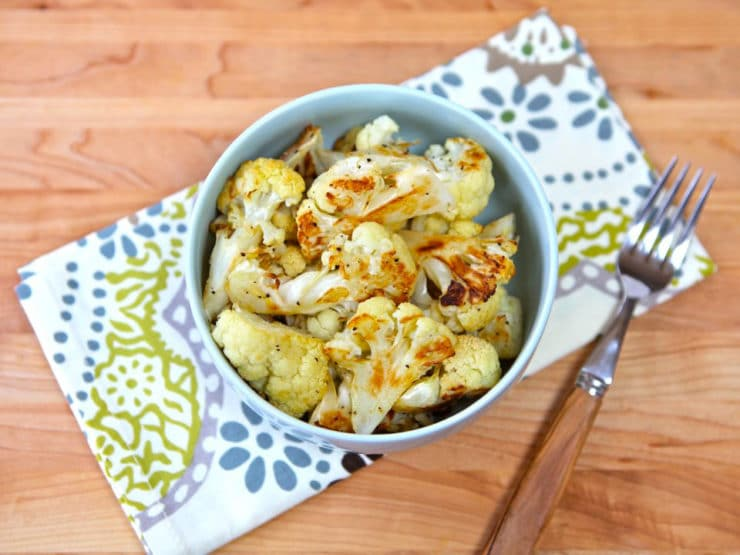 How to Roast Cauliflower - Learn how to roast cauliflower to achieve maximum amount of flavor in minimum amount of time. Healthy, vegan, roasted cruciferous side dish