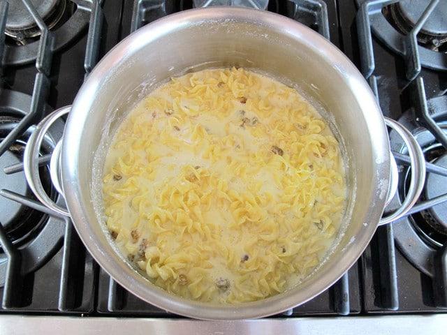 Sweet Lokshen Kugel - Jewish Noodle Pudding