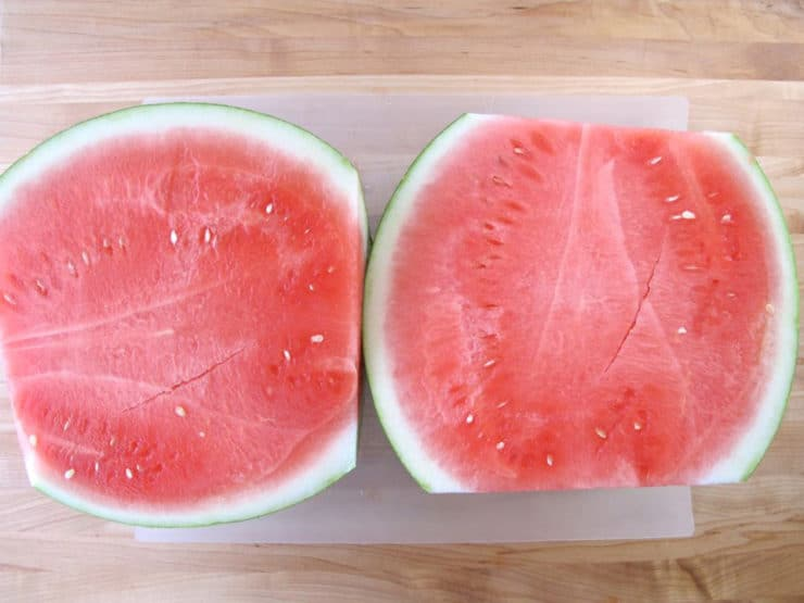 How to slice a watermelon into triangles.