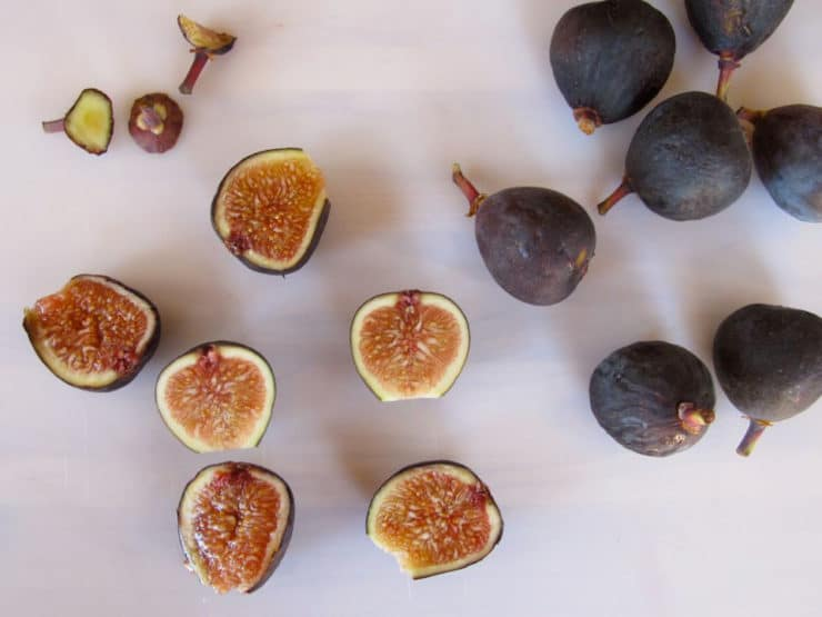 Fresh figs cut in half.
