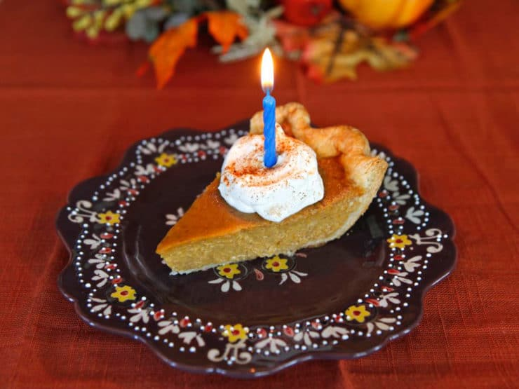 Pictures, menu, birthday pie and memories from my Thanksgiving meal, November 2012. Thanksgiving holiday recipes linked.