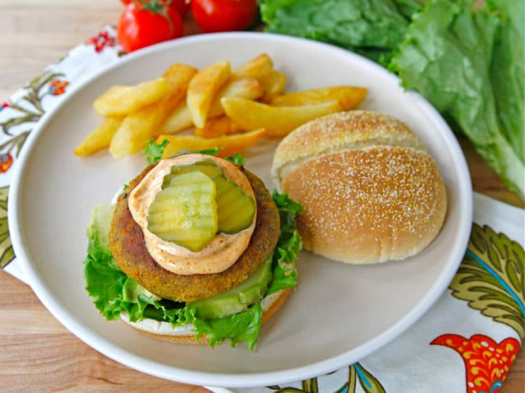 Black-Eyed Pea Burgers - Meatless burger with smoked paprika, shallots, carrots, garlic, panko breadcrumbs, herbs and spices. Easy affordable vegetarian entree. Kosher.