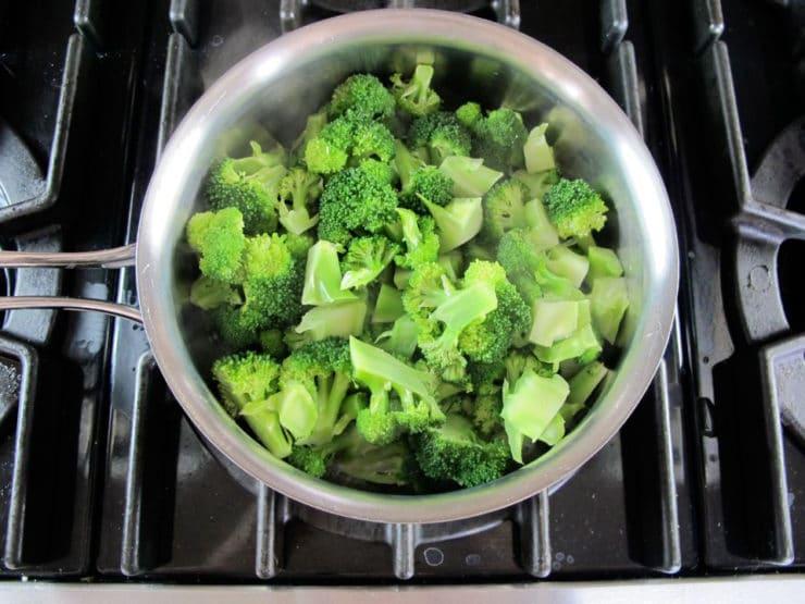 Healthy vegetable pesto pasta recipe