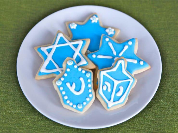 Hanukkah Holiday Sugar Cookies - Learn to make gorgeous holiday sugar cookies with royal icing in my step-by-step tutorials and recipes. Kosher, Holidays, Hanukkah.