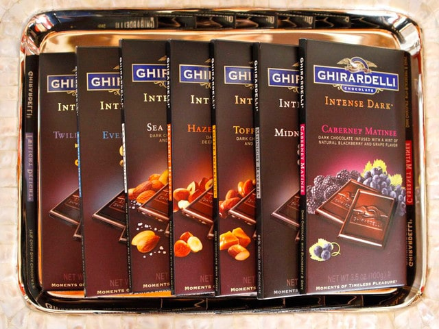 Escape with Ghiradelli Intense Dark - Dark Chocolate Mint Leaves #escapewithdarkchocolate @ghiradelli