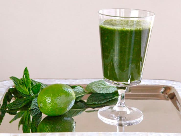 The Greenie - A nutritious, yummy smoothie tonic made with kale or spinach, apple, pear, grapes, fresh mint, lime juice and cinnamon. Healthy, vegan, kosher.