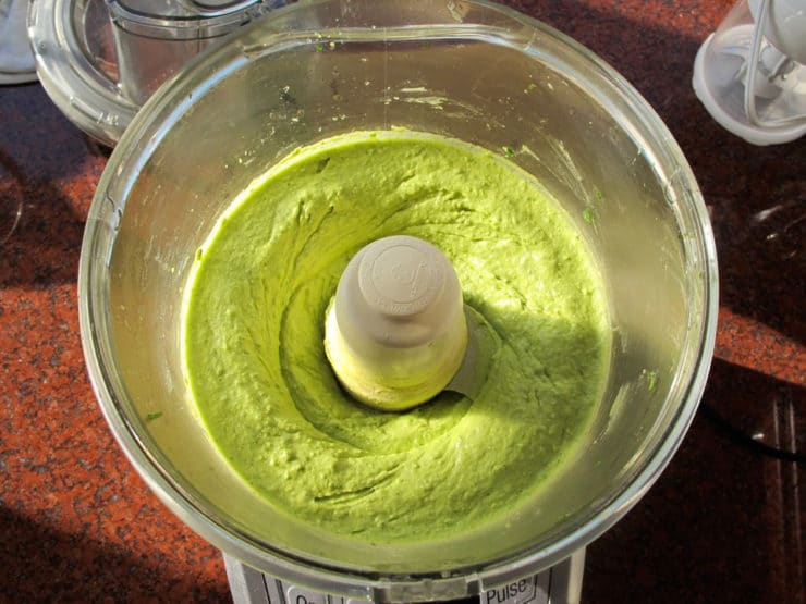 Avocado dip in the food processor.