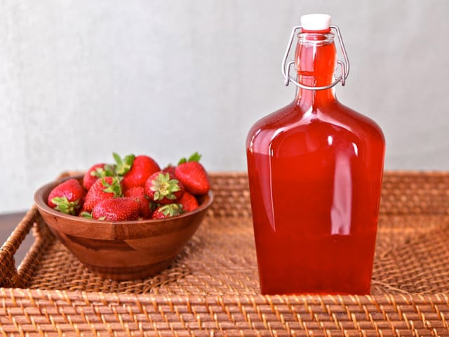Homemade Strawberry Syrup #recipe #drinks