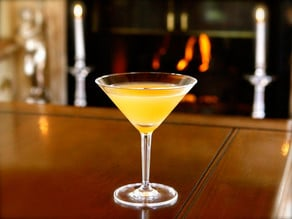 Prohibition, The Great Gatsby & The Bee's Knees Cocktail - Learn about the 1920's and try a vintage cocktail recipe from the flapper period.