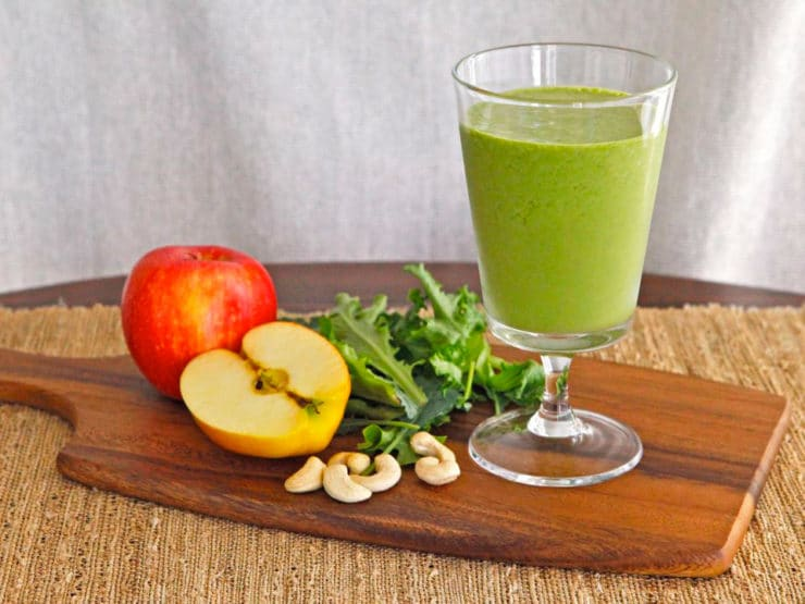 Cashew Apple Green Smoothie - Learn to make a healthy, delicious, non-dairy green smoothie with apples, cashews, spinach or baby kale, and spices.