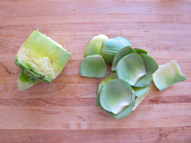 Separating the Heart from a Raw Artichoke on TheShiksa.com #cooking #tutorial