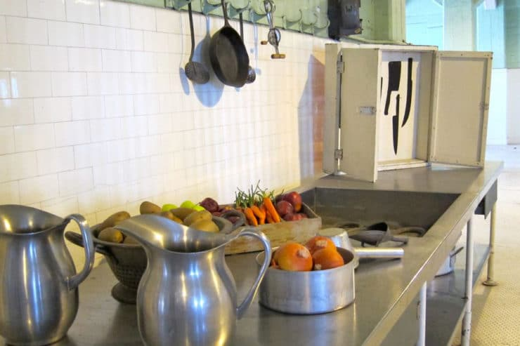Food on Alcatraz: Cinnamon Sugar Cookies - Alcatraz was a harsh prison, but it had pretty great food. Learn about the community living on Alcatraz and try a vintage recipe from the island.