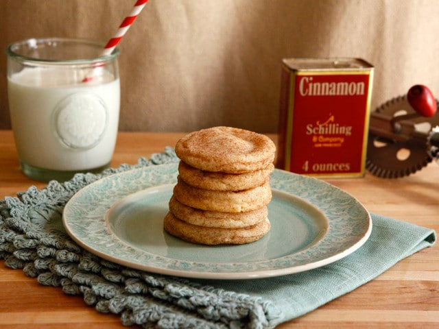 Food on Alcatraz - Cinnamon Sugar Cookies on The History Kitchen #vintage #recipe #history