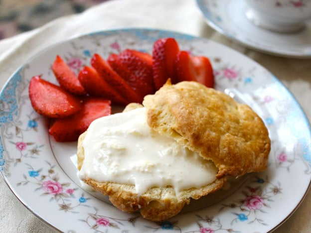 The Old Fashioned Way: Clotted Cream and Scones - How to make old fashioned British-style Clotted Cream and warm, freshly baked English scones.