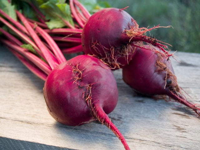 Who Knew? Kitchen Tips #5: Are your fingertips stained from peeling roasted beets or handling berries? Rub a slice of raw potato on your hands to rinse color away. Click through for more tips!