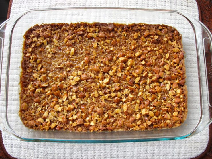 Bienenstich Bars Recipe from the Monday Morning Cooking Club #jewish #holidays #roshhashanah