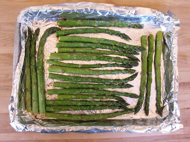 Roasted Sesame Asparagus Recipe #vegan #healthy