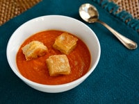 Tomato Soup with Grilled Cheese Croutons from Weelicious Lunches