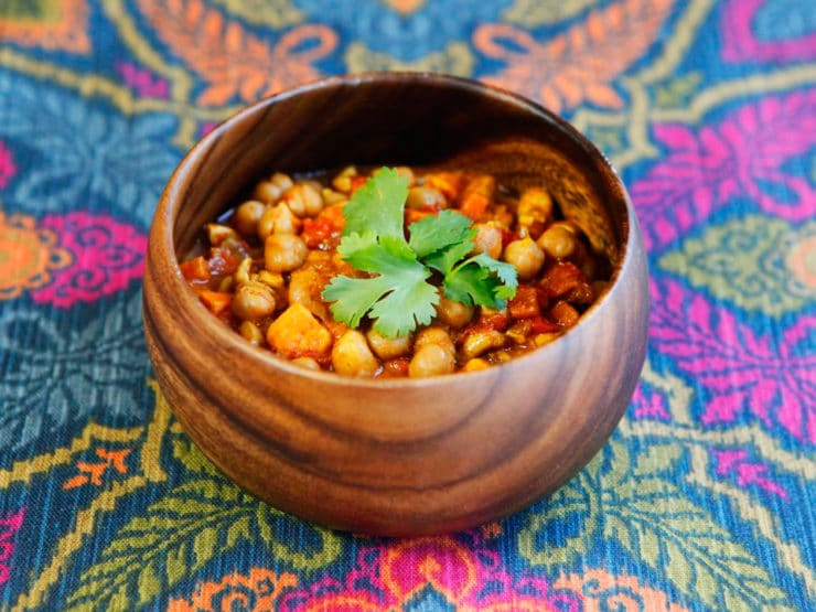 Slow Cooker Vegan Chickpea Chili Recipe