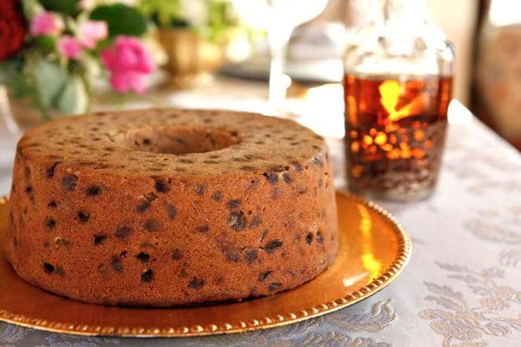 History and a traditional recipe for Kentucky Bourbon Whiskey Cake from food historian Gil Marks. Bourbon spiced cake filled with dried fruit and nuts.