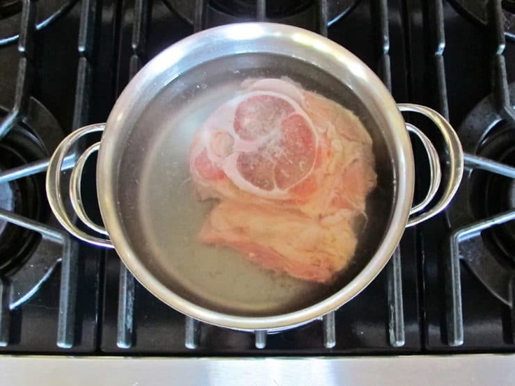 Veal in a stockpot of water.