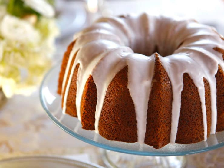 Lemon Poppy Seed Cake with Lemon Glaze - A lemony poppy seed sour cream bundt cake with lemon glaze. Holiday recipe by Tori Avey, perfect for Purim.