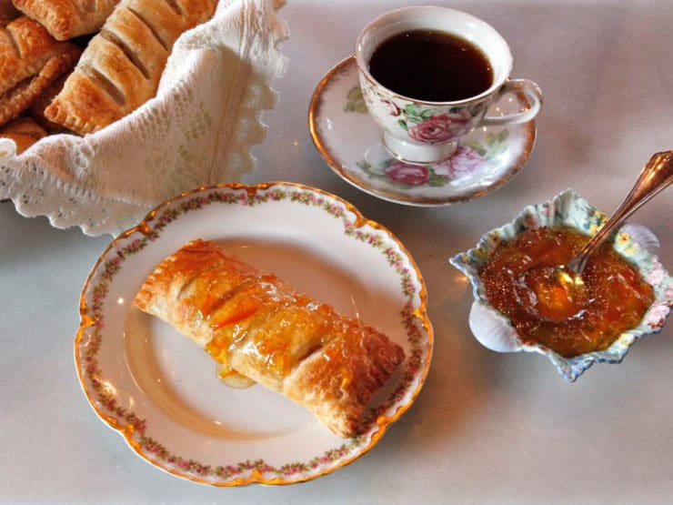 Jane Austen Apple Puffs - A Historical Recipe for Apple Puffs from a family friend of Jane Austen. Made with apples, marmalade and orange blossom water in puff pastry.
