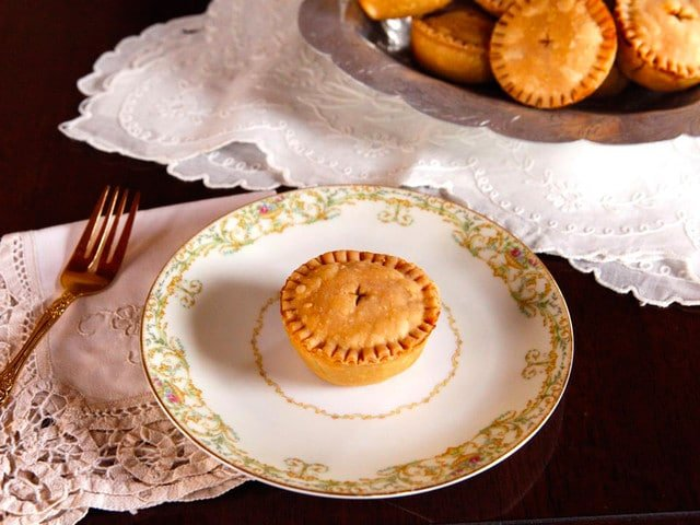 Shakespearean Cooking: Funeral Baked Meats - Professor Ken Albala shares his take on Funeral Baked Meats, Elizabethan Era Meat Pies from Shakespeare's Hamlet.