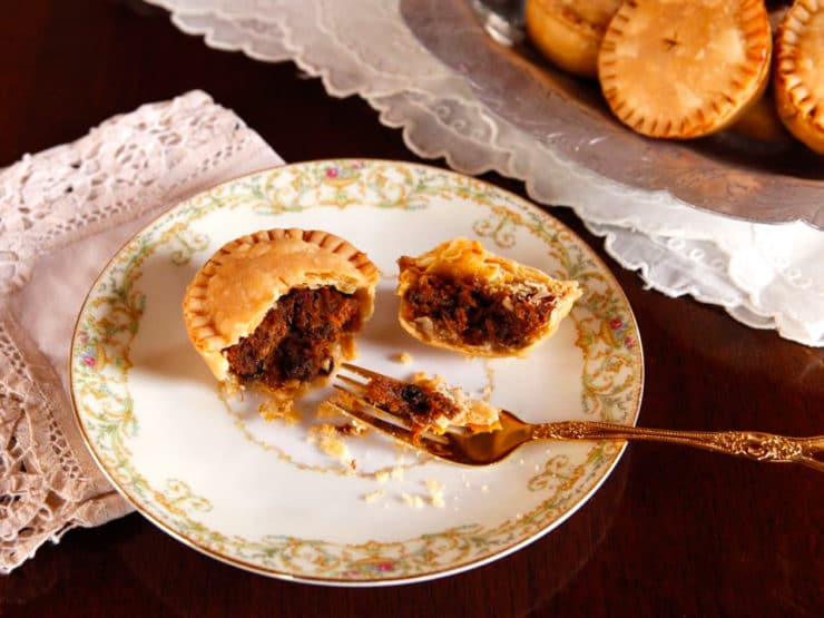 Elizabethan era food meat shakespearean cooking funeral baked meats